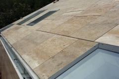 Pięć powierzchni elewacji i dachu pokryto płytami trawertynowymi zgodnie ze zleceniem. Zdjęcie: KERATEK d.o.o.