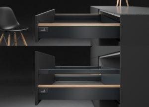 Różnorodność możliwości aranżacyjnych to mocny atut systemów szuflad firmy Hettich, teraz z dodatkową, niezwykle atrakcyjną opcją w postaci profili dekoracyjnych. Fot. Hettich